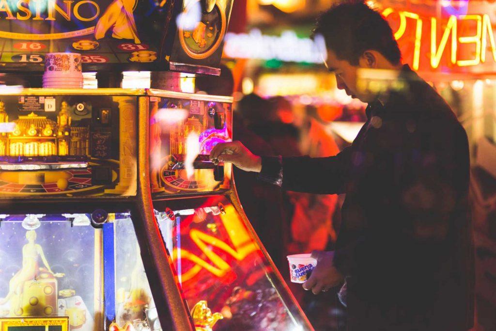 Gokken in een online casino - Jackpotcity | Fruitautomaatspel.nl